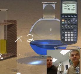 Kemiprovrör med blå vätska står bredvid en miniräknare, i nederkant syns två män i infälld bild.