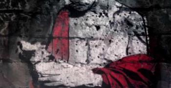 Tecknad person i röd mantel.