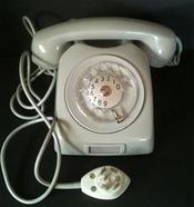 Telefon med snurrskiva.
