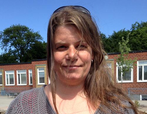 Helena Linde på skolgård.