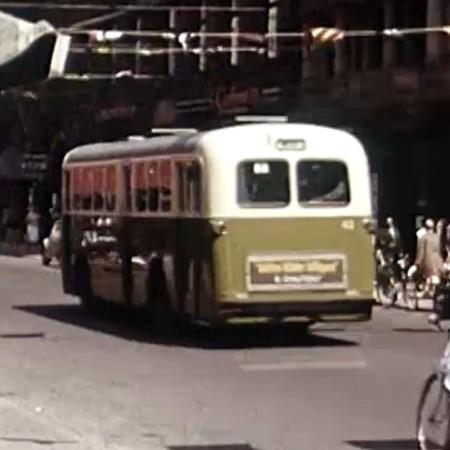 Gammaldags buss.
