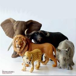 Elefant, lejon, gepard, noshörning och buffel plastdjur.