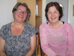 Ingrid Olsson och Susanne Karlström sitter på kontor.