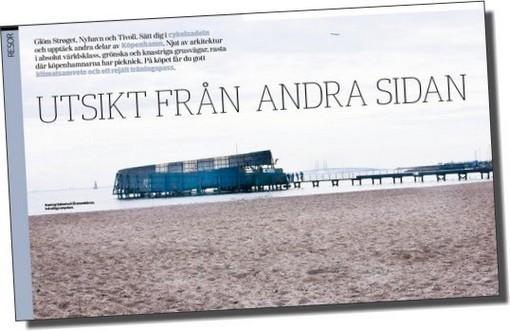 Bild på strand med texten: Utsikt från andra sidan.