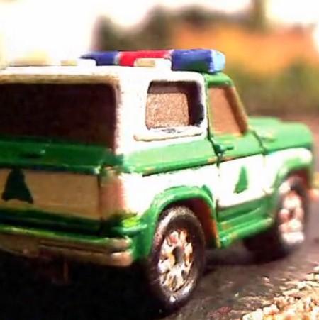 Polisbil i kartong.