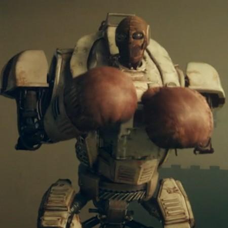 Robot med boxningshandskar.