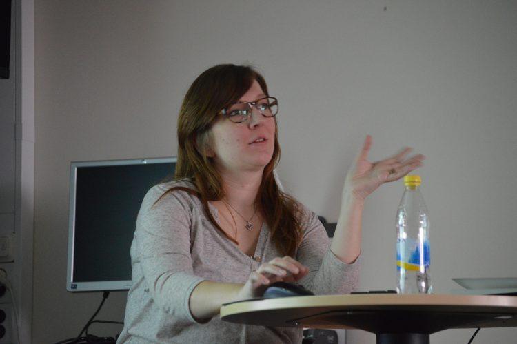 Maria Schedvin föreläser.
