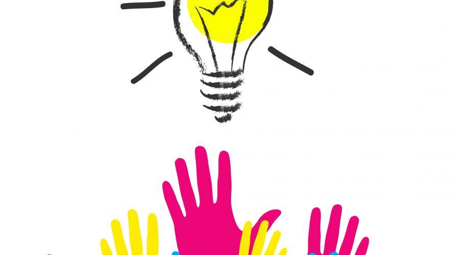 Tecknade händer sträcker sig mot tänd glödlampa.