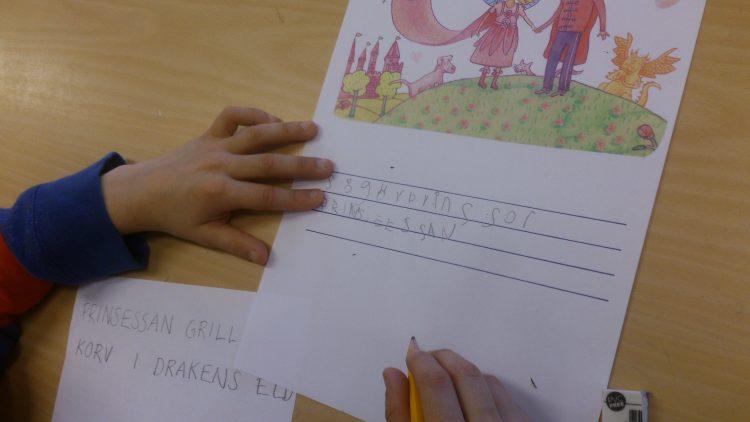Barn skriver om boken.