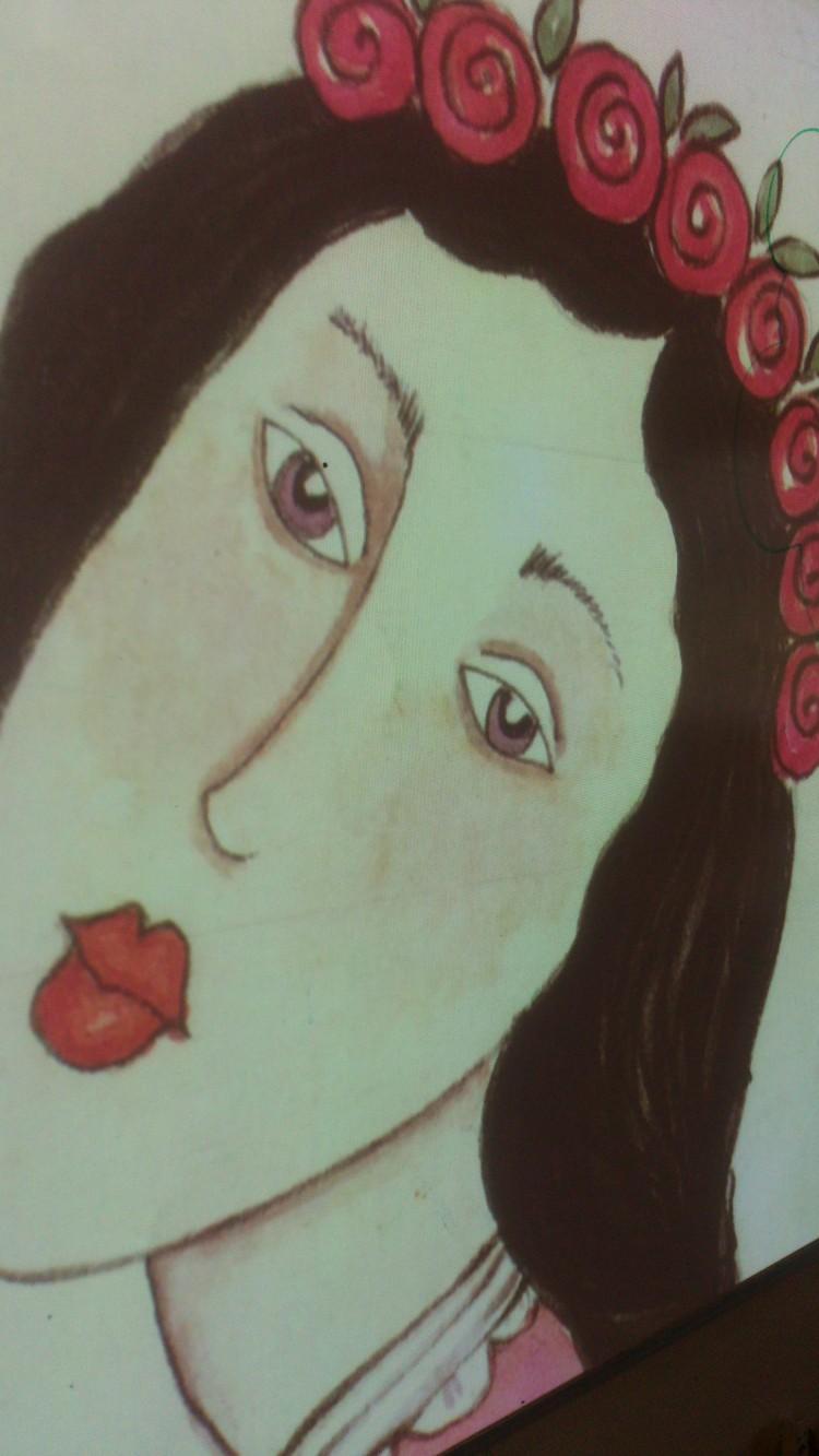 Tecknad kvinna med blommor i håret.