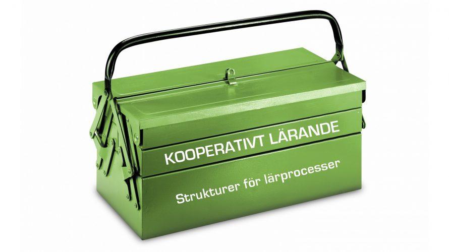 """Grön verktygslåda med texten """"Kooperativt lärande"""" på."""