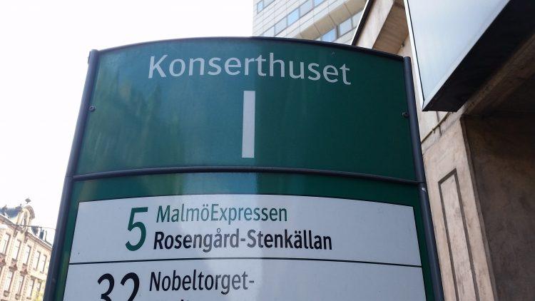 Busshållplats i Malmö.