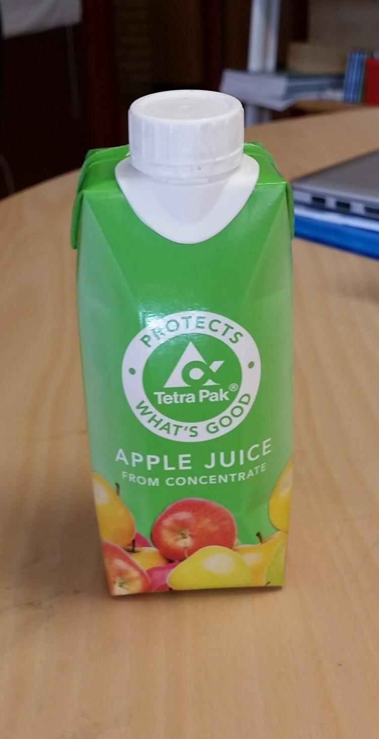 Pappförpackning med juice.