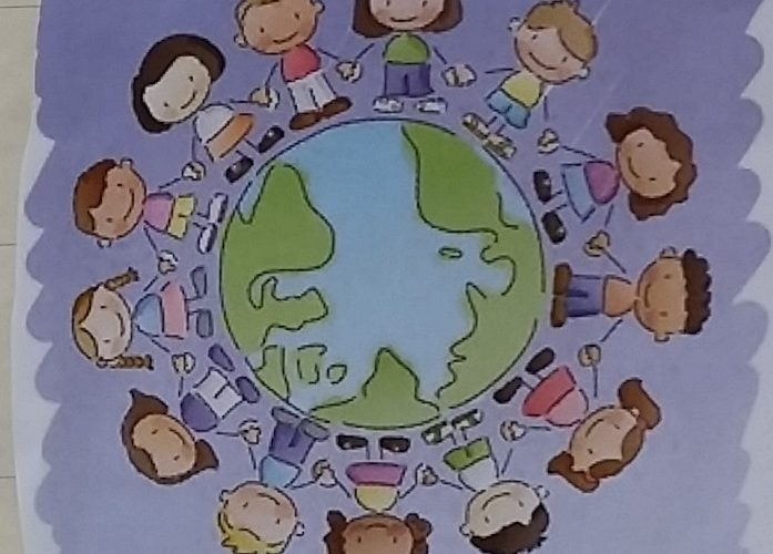 Tecknade barn håller i händerna medan de står runt jordglob.