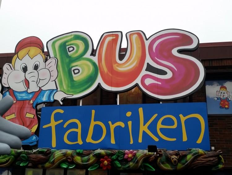 Skylt på Busfabriken.
