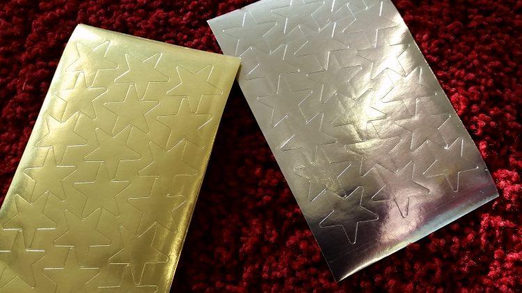 Stjärnor i guld och silver.