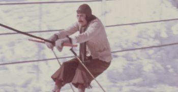 Lasse Åberg åker skidor.