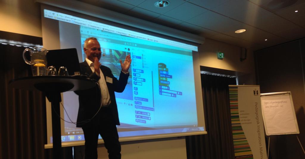 Lars Meding föreläser.