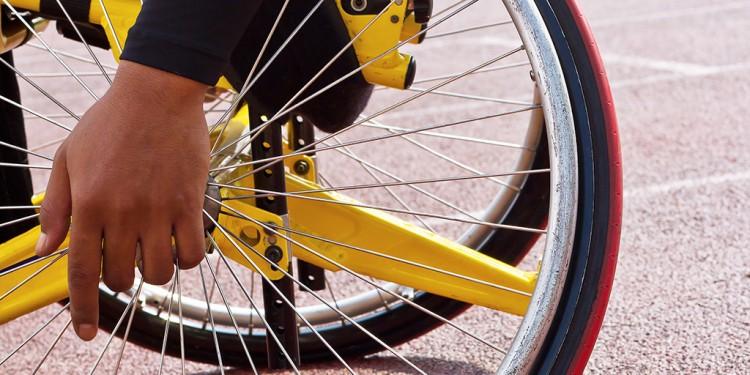 Hjul på rullstol.