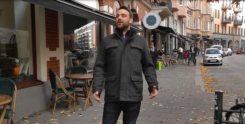 Andreas står på Friisgatan.