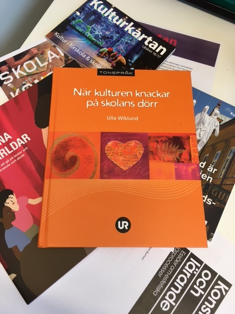 Omslag till När kulturen knackar på skolans dörr..
