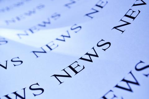 News står på papper flera gånger.