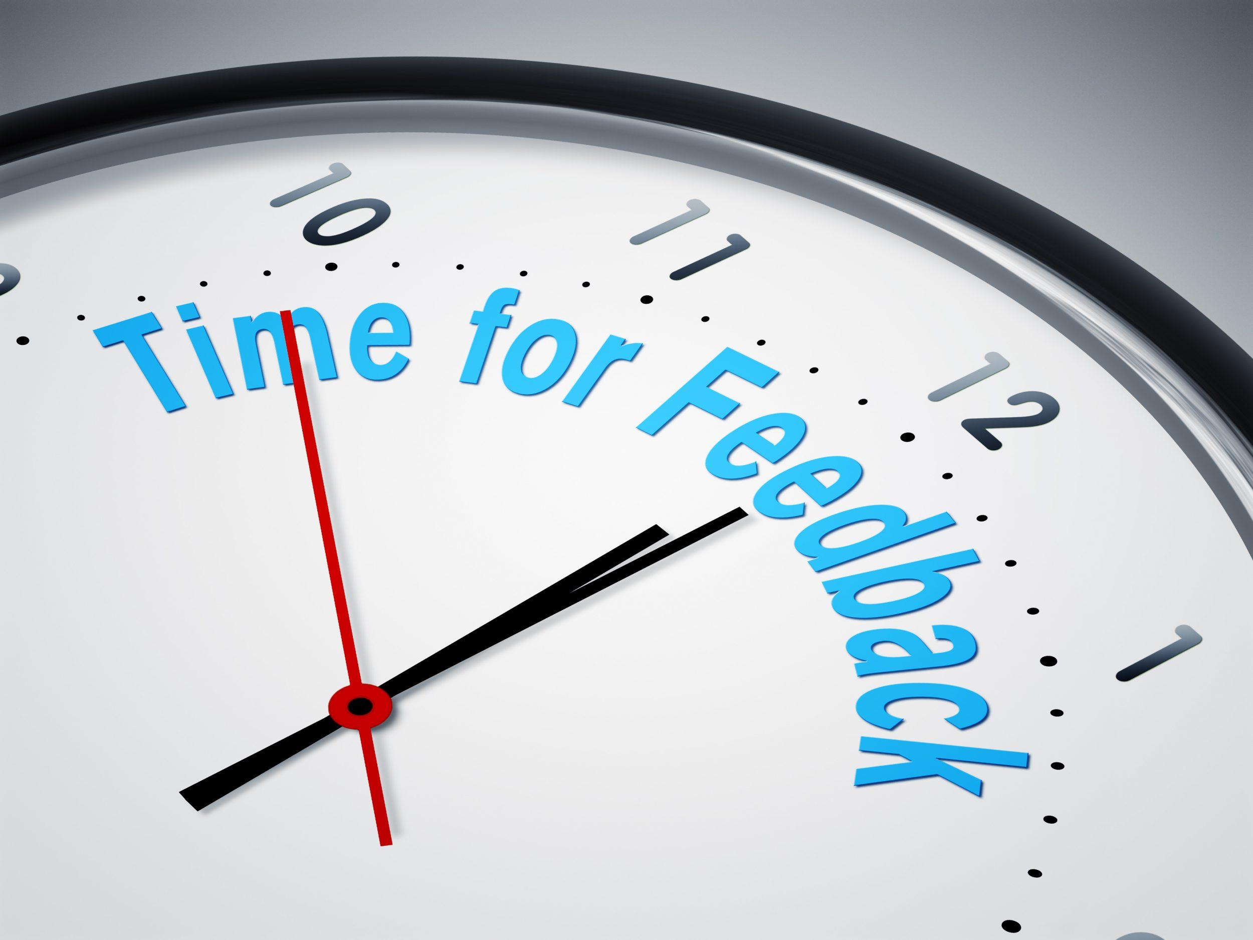 Klocka där det står att det är dags för feedback.