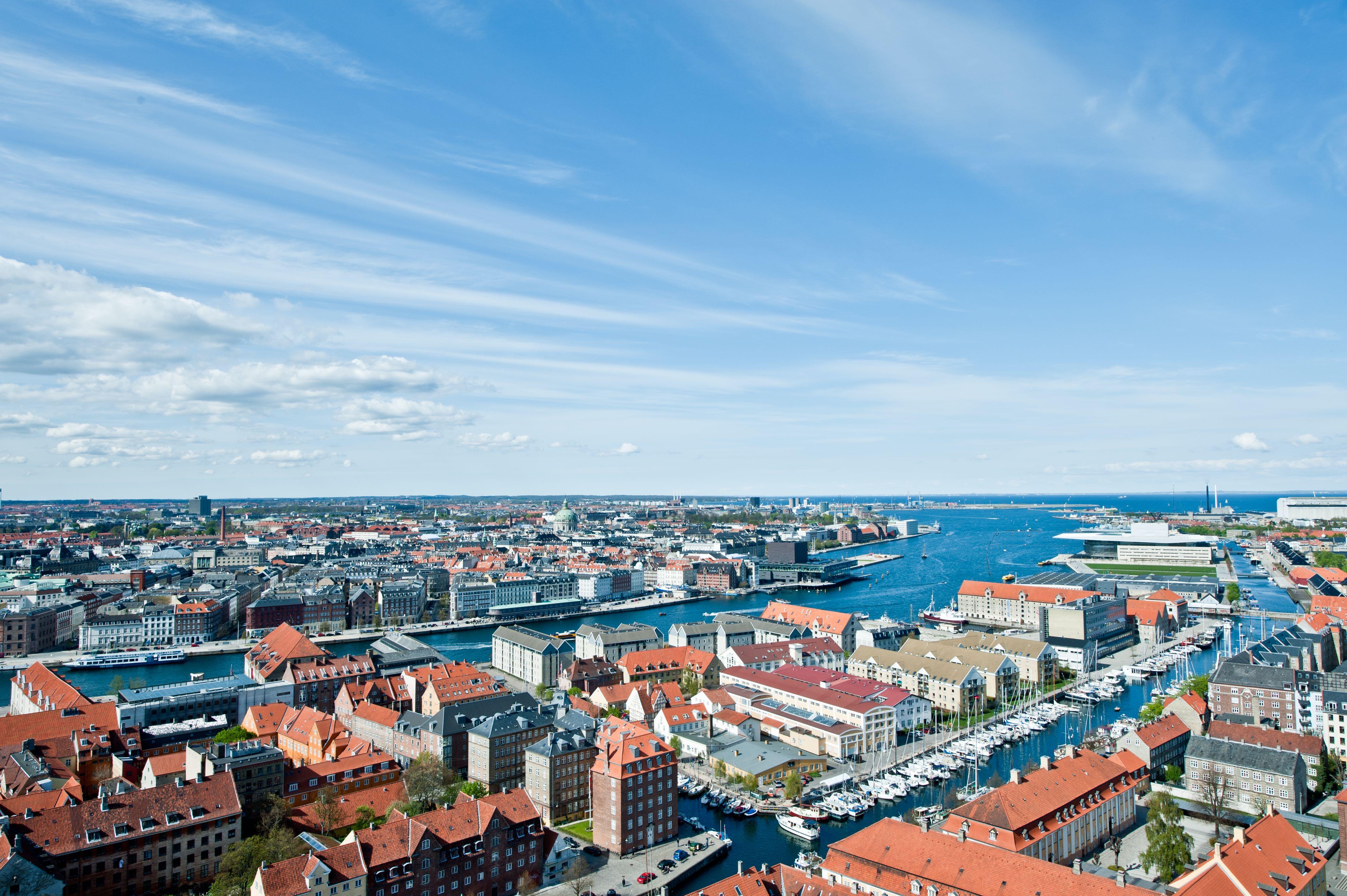 Vy över inre hamnen i Köpenhamn.