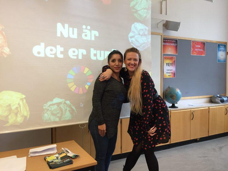 Ingrid och Balquis framför presentation.