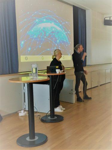Martin Schibbye och Brit Stakston föreläser.
