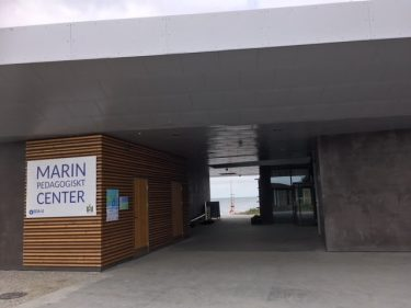 Entré till Marint Pedagogiskt center.