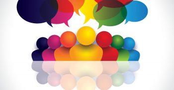 Färgglada pratbubblor från tecknade gubbar.