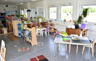 Hammarhajens förskola anpassar lokalerna även för de allra yngsta barnen – målet är att de alltid ska ha nära till lek- och lärmiljö.