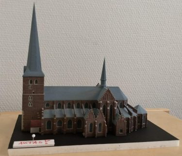 Modell över kyrka.