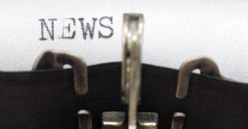 Ordet news skrivs av skrivmaskin