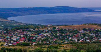 Utsikt över Khvalinsk.