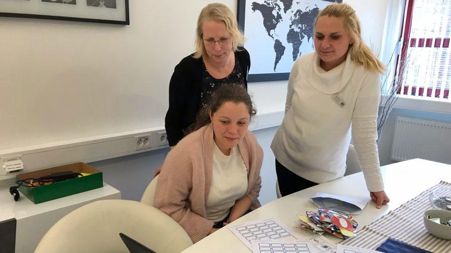 Maria Simbotin, ämneslärare i NO, SO och teknik, Anette Petersson, processledare för projektet kring transspråkande och biträdande rektor på skolan och Kata Severin, förstelärare på Lindängeskolan.
