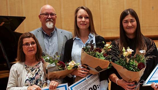 Anders Rubin delar ut Malmö Pedagogpris 2019.