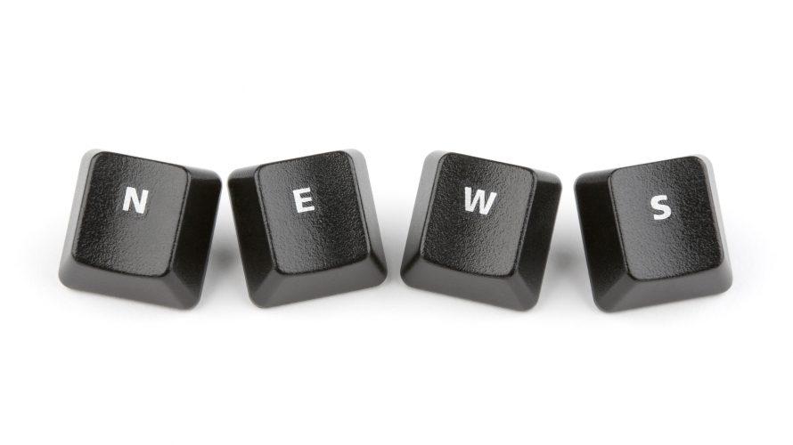 Ordet news bildas av fyra tangenter.