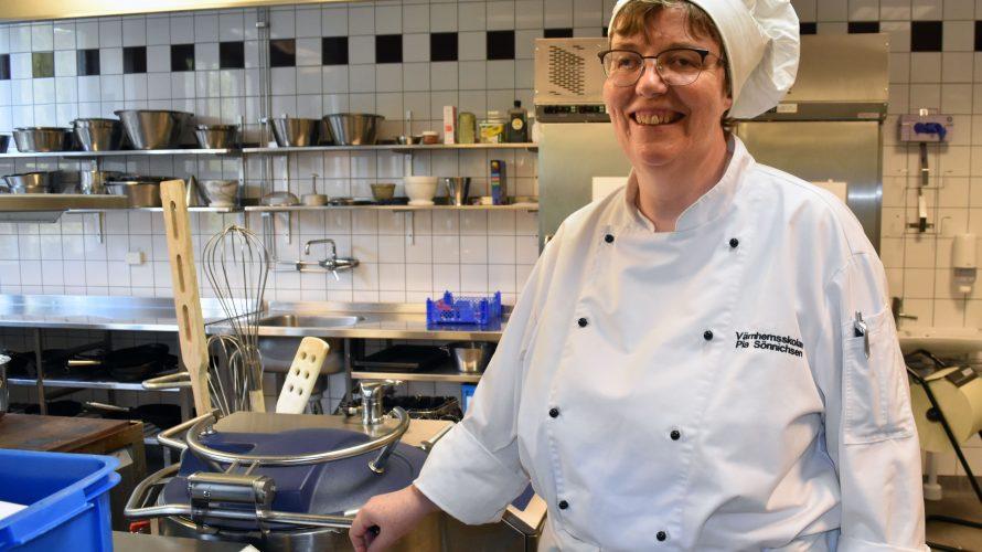 Pia Sönnichsen, kökslärare på gymnasiesärskolans restaurangprogram i Malmö.