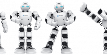 Robot i fyra olika positioner.