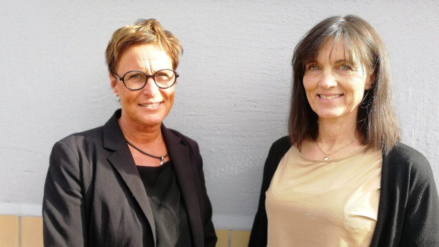 Chritsina Törnkvist och Cecilia Behréns Sjunnesson utanför lokalerna.