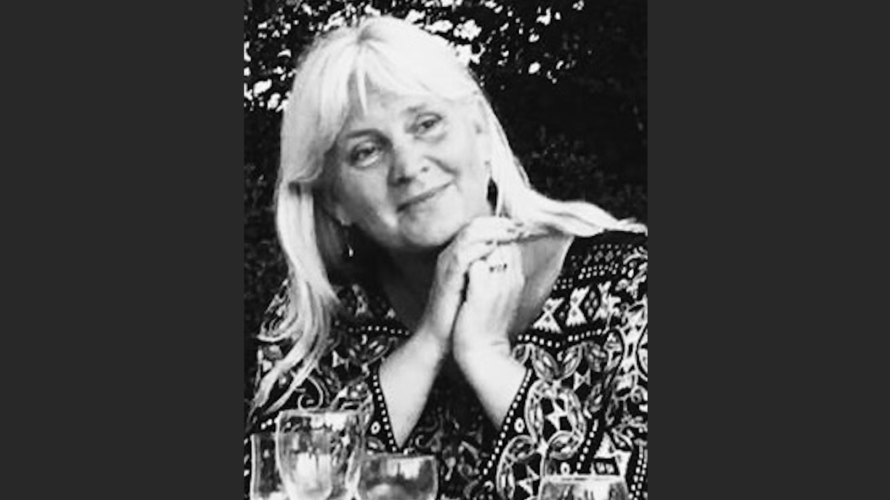 Porträttbild på Anna Löfgren.