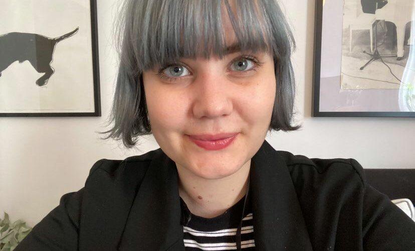 Porträttbild på Nellie Mildh.
