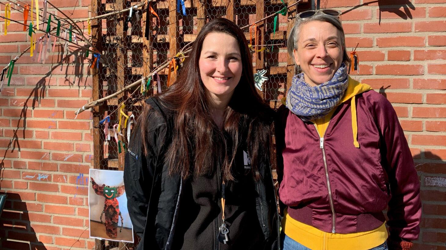 Porträttbild på Stella Baric och Tove Liljekvist utomhus.