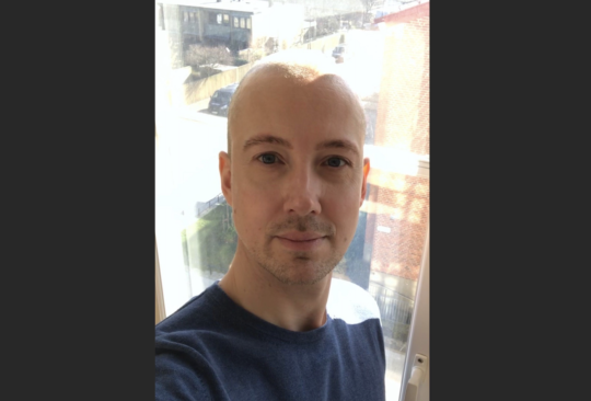 Porträttbild på Erik Hallström