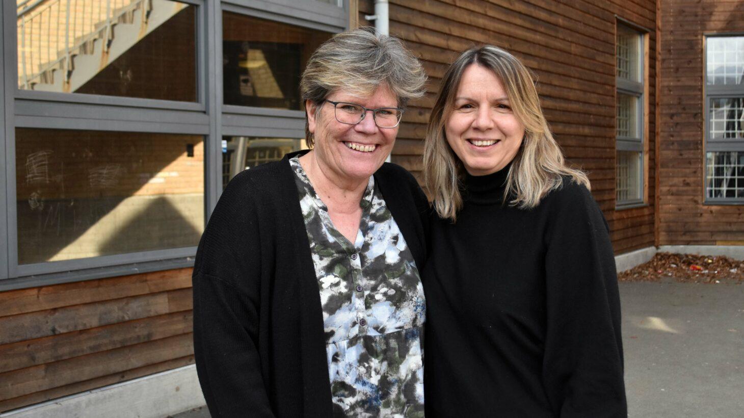 Marie Jönsson och Lutfie Zuta ler mot kameran.