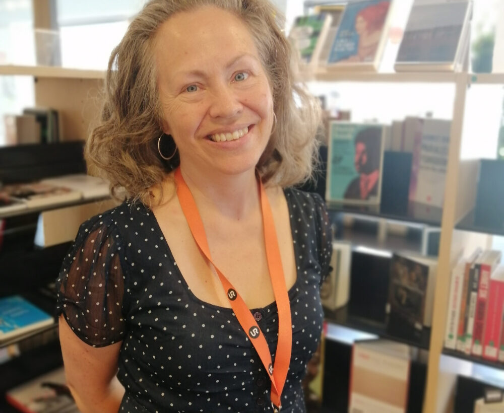 Ulrika Ahlberg, bibliotekarie på Dawit Isaak-biblioteket.
