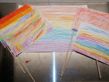Tecknade Pride-flaggor.