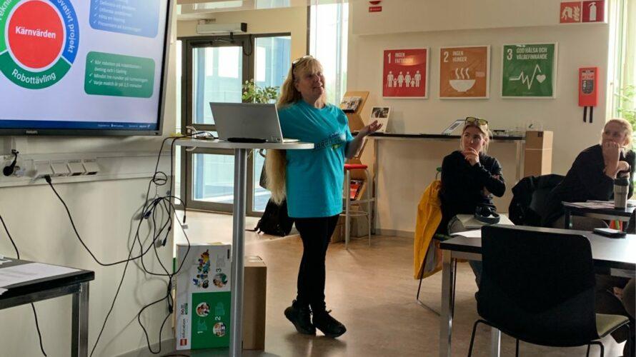 Annie Bergh håller föredrag.